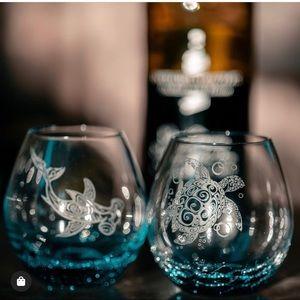 new ❃ Bubble Wine Glasses ❃ Tribal Sea Turtle Teal